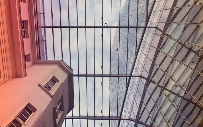 Eine Glasüberdachung